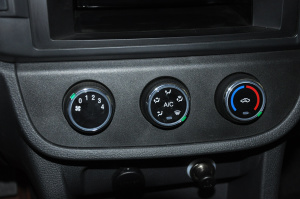 中控台空调控制键