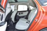 宝马2系旅行车后排空间图片