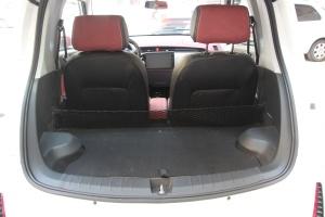 众泰E200行李箱空间图片
