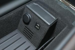 进口宝马7系             USB接口