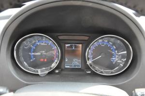 风行SX6仪表盘背光显示图片