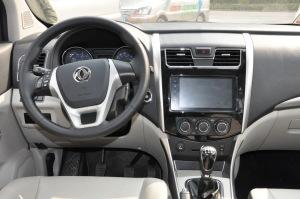 风行SX6完整内饰(驾驶员位置)图片