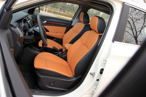 北汽威旺S50驾驶员座椅图片