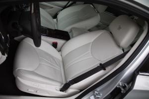 荣威e950 驾驶员座椅