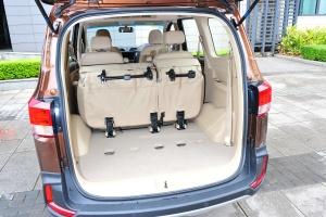 五菱宏光S1 行李箱空間