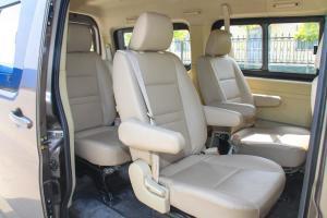 睿行M90后排座椅图片