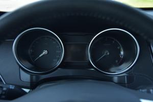 众泰SR7仪表 图片