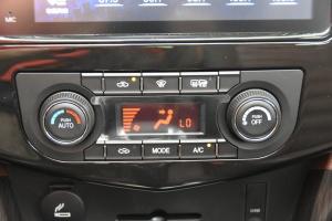 风行SX6 中控台空调控制键