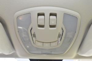 X55前排车顶中央控制区