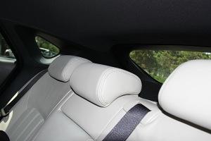 马自达CX-4后排头枕图片