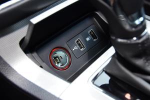 荣威RX5                USB接口