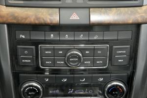 BJ80中控台音响控制键