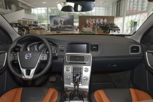 沃尔沃V60 Cross Country 完整内饰(中间位置)