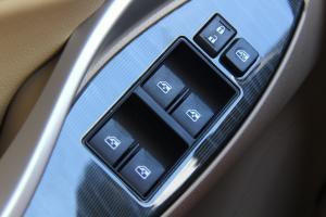 Z300车窗升降键