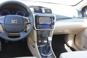 Z300中控台驾驶员方向