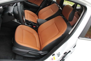 逸动XT驾驶员座椅图片