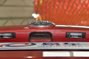 V32016款 1.5T 自动 旗舰型 外观炫耀红 内饰黑色