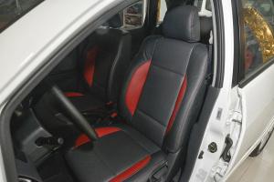利亚纳A6两厢驾驶员座椅图片