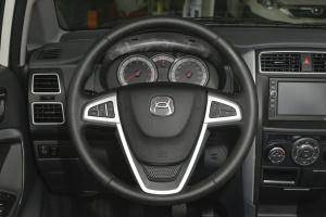 利亚纳A6两厢方向盘图片