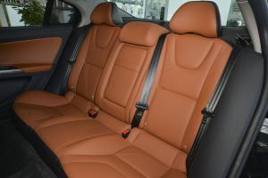 沃尔沃S60L后排座椅图片
