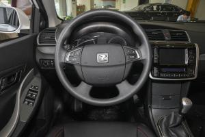 Z300驾驶位区域