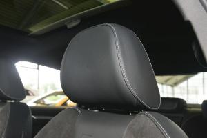 奥迪S3驾驶员头枕图片