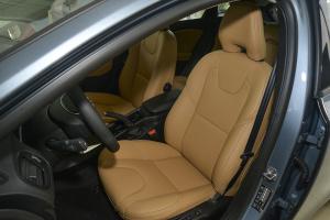 沃尔沃V40驾驶员座椅图片
