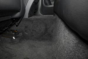 奔驰GLC级AMG  空间-月光石灰