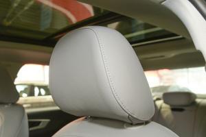 奥迪A4L驾驶员头枕图片