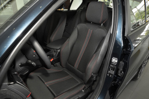 宝马1系(进口)驾驶员座椅图片
