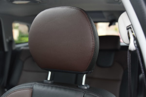 海马S7驾驶员头枕图片