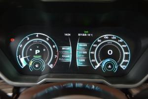 众泰T700仪表盘背光显示图片