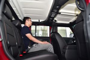 北京BJ40L2016款 北京BJ40L 2.0T 手动四驱尊贵版图片