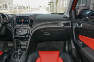 艾瑞泽52017款 奇瑞艾瑞泽5 SPORT 1.5T CVT尊贵版
