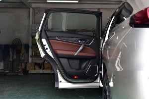 UR-V2017款 370TURBO 四驱尊享版 外观雅韵金