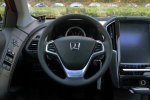 优6 SUV方向盘图片