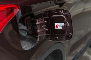 GS42017款 235T 7G-DCT 两驱 精英版 外观勃艮第红 内饰黑色