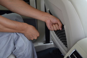 众泰T700后排腿部空间体验图片