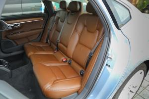 沃尔沃S90后排座椅图片