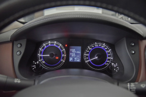 英菲尼迪QX50仪表盘图片