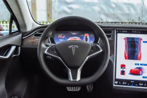 MODEL S方向盘图片