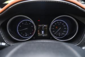 众泰T300仪表盘图片