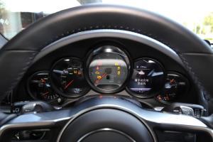 保时捷911仪表盘图片