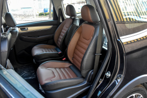 风行SX6后排座椅图片