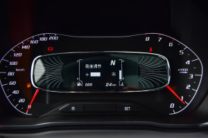 5102018款 宝骏510 1.5L 自动 周年特别版