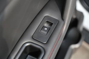 瑞风S32018款 瑞风S3 定制版 1.6L CVT 豪华智能版