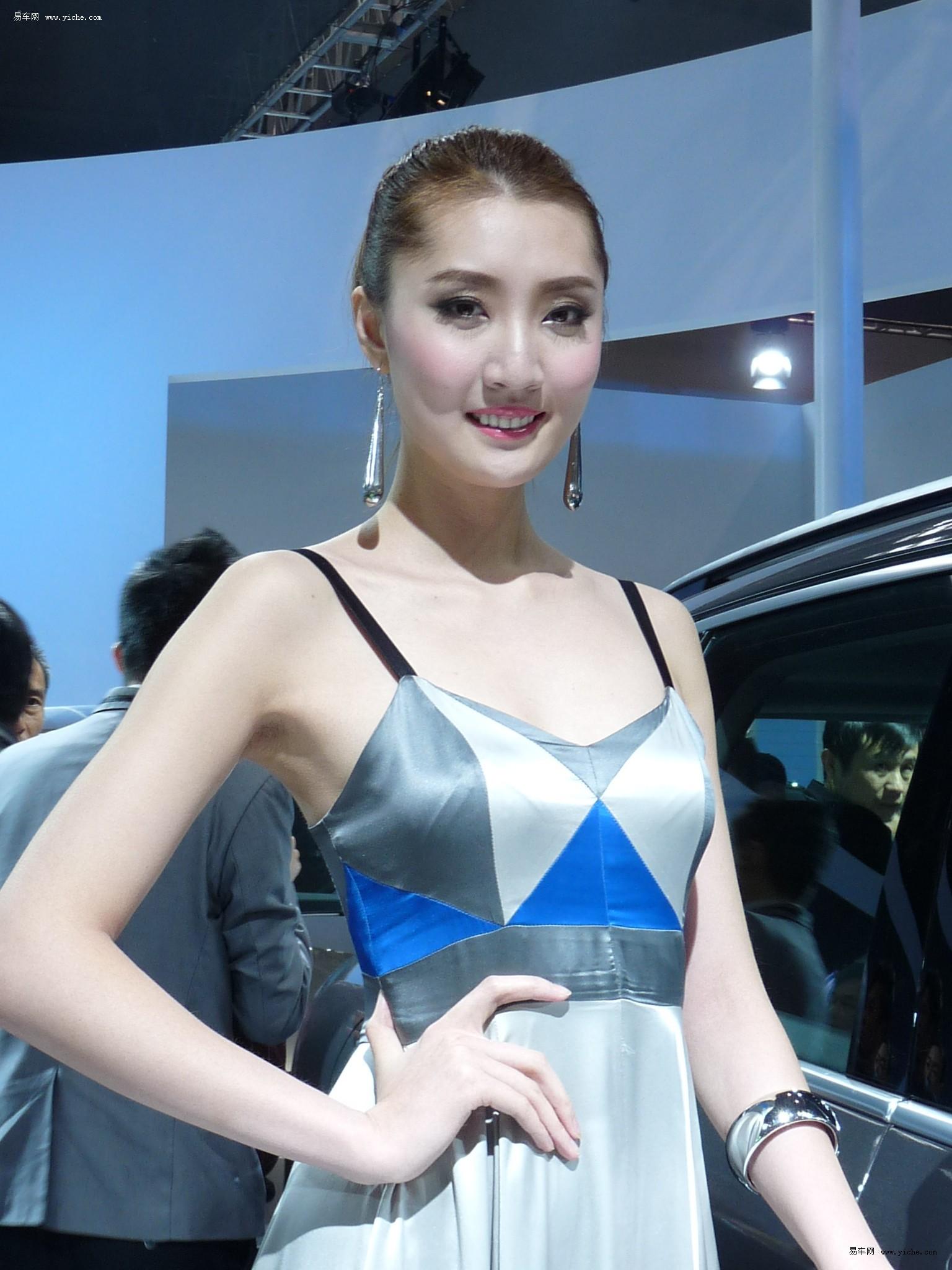 贵阳国际车展美女模特——进口大众展台