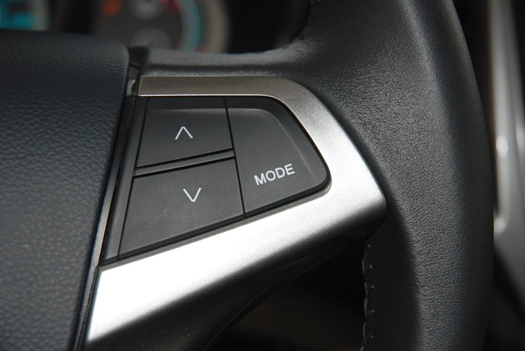 方向盘,所以经常能看到某些品牌旗下的车型全部使用