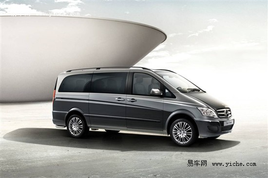 福建奔驰携多款新车亮相2012北京车展