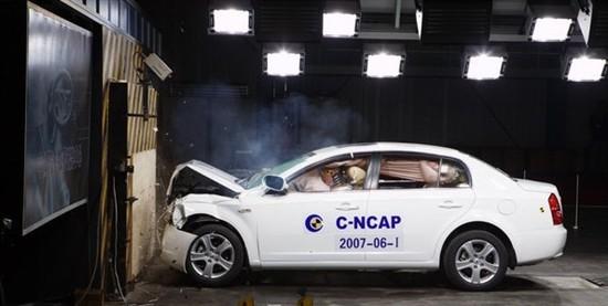 C NCAP汽车碰撞测试 安全项目解读高清图片